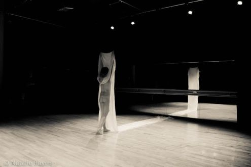 """Natalie Raven Live Artist and Researcher """"Body-Cloth"""" Photography by Steven Paige"""